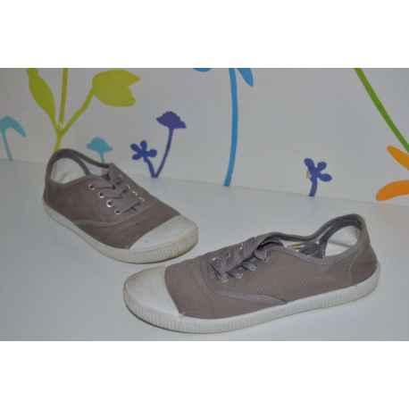 Chaussures en toile T.34